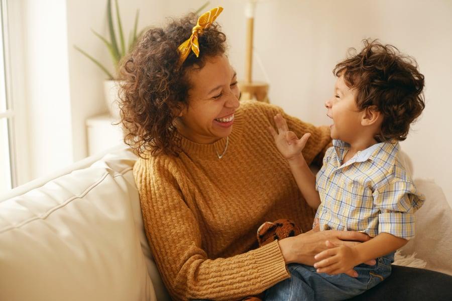 Celebramos el día de la Niña y el Niño desde la Crianza con Ternura